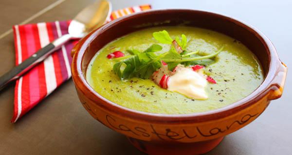 Суп-пюре из зеленого горошка и картофеля