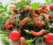 Тайский салат со свининой и раками
