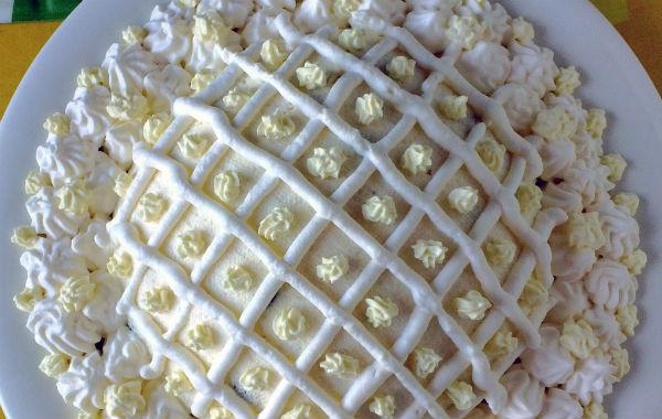 Простая творожная пасха на желтках и масле: варианты подачи