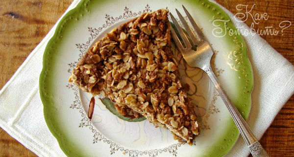 Пирог Шарлотка с мюсли и яблоками