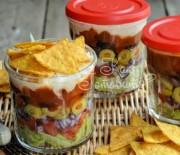 Слоеный мексиканский салат в баночках