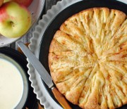 Шарлотка с яблоками в мультиварке Супра