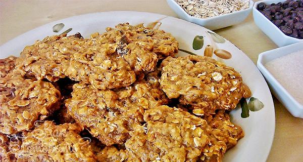 Овсяное печенье с клюквой и шоколадом