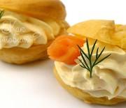 Профитроли с сыром и семгой