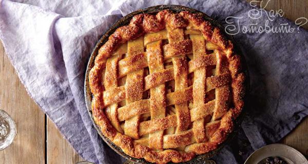 Постный ржаной пирог с облепихой и яблоками