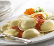 Равиоли с плавленым сыром и помидорами