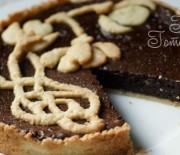 Шоколадный открытый пирог с песочной корзинкой