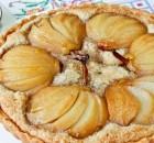 Грушевый пирог с ореховой начинкой
