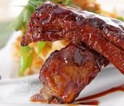 Ребрышки барбекю с луковым соусом