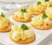 Салат яичный с лимоном