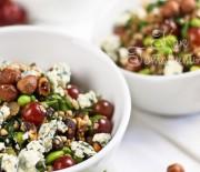 Салат с гречкой и фундуком